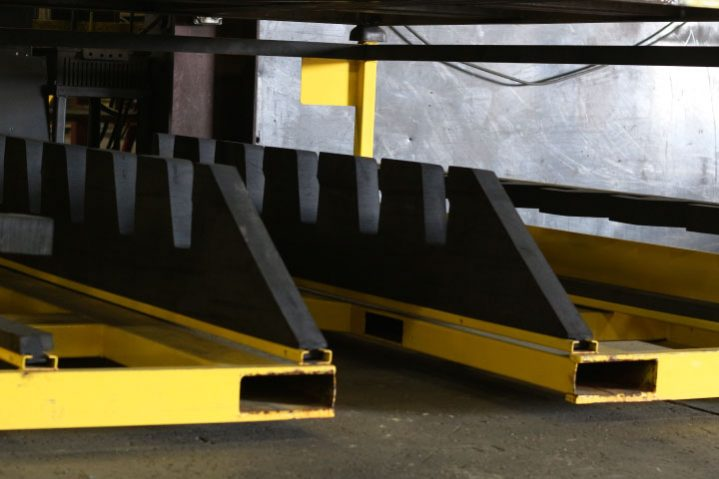 yellow-rack-with-tall-dunnage